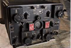 Radio militaire Northern Electric